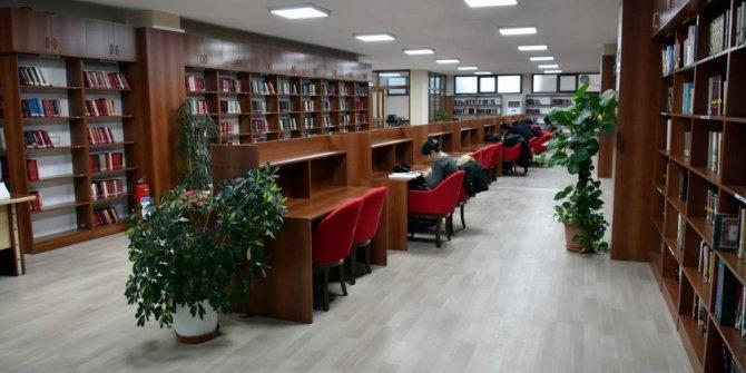 Aliağa Belediye Kütüphanesi'nin ziyaretçisi yüzde 77 arttı