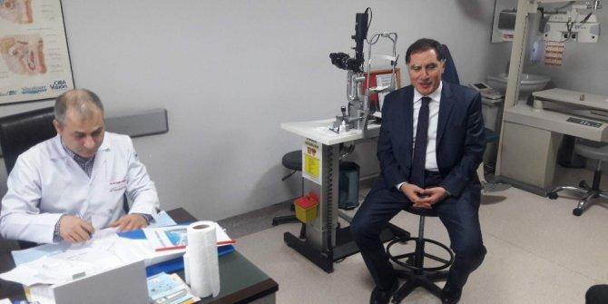 Kamu Başdenetçisi Şeref Malkoç, memleketi Trabzon'da rutin göz kontrolünden geçti