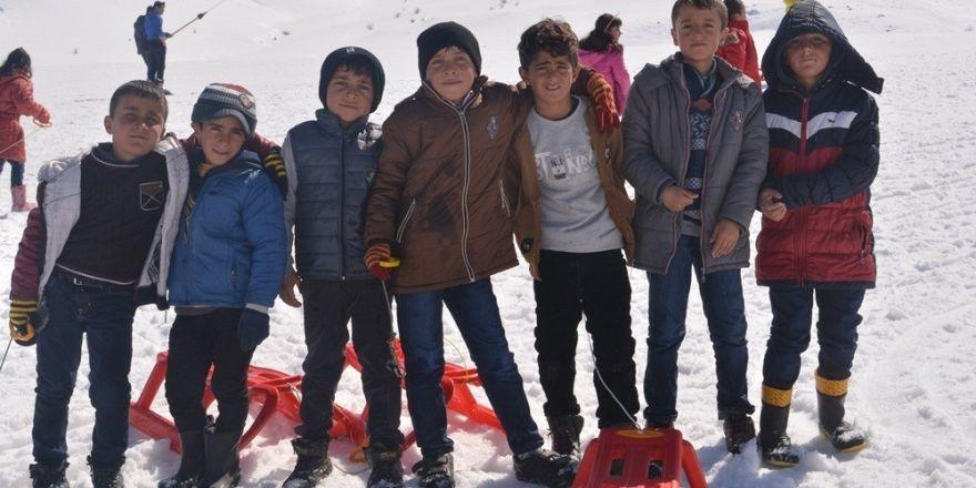 İpekyolu Belediyesinden kayak etkinliği