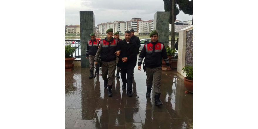 Maltepe'de bombalı pankart alarmı
