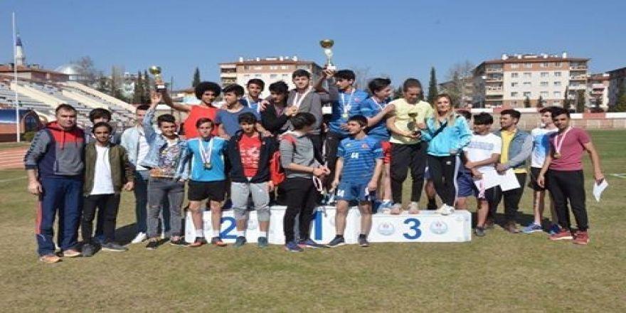 Okullar Arası Puanlı Atletizm Yarışmaları sona erdi
