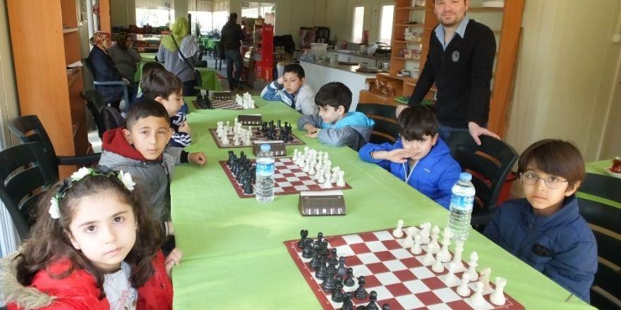 Burhaniye'de satranç kursu