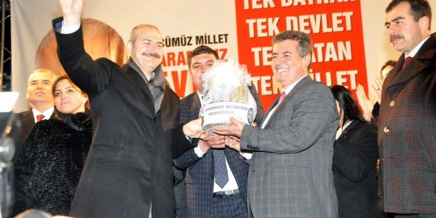 Antalya'da Atatürk'e saygı ve sevgi nöbeti