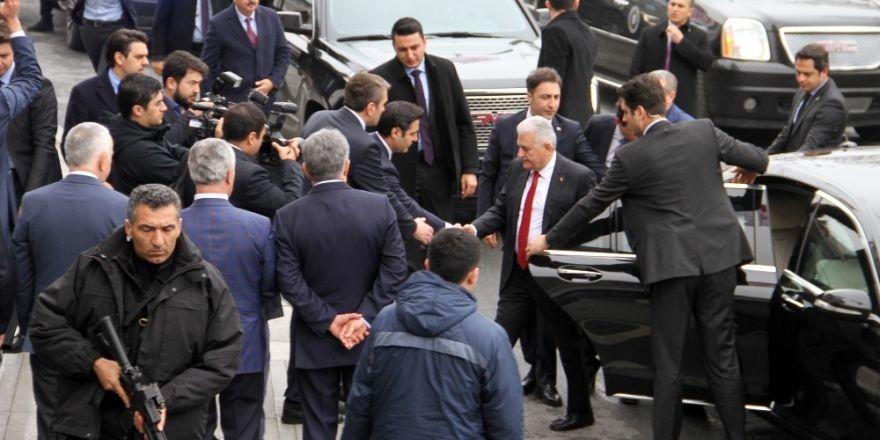 Başbakan Binali Yıldırım, AK Parti İstanbul İl Başkanlığı'nda