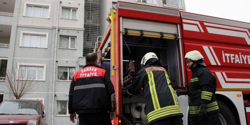 Sigaradan çıkan yangın mutfağı yaktı