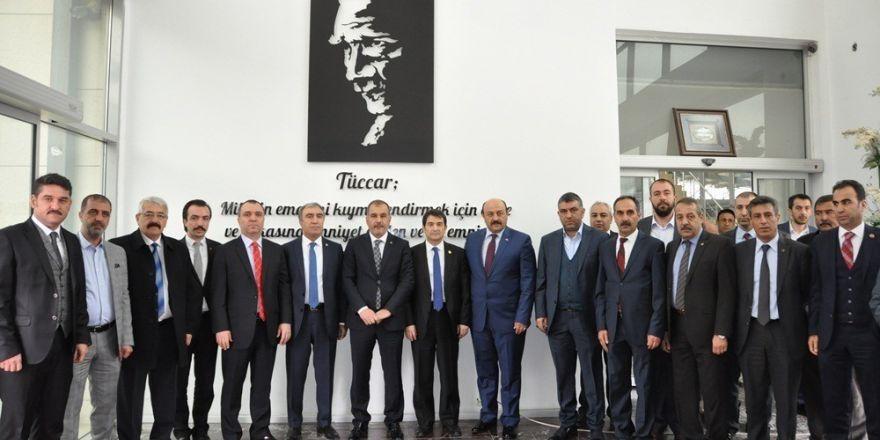"""MHP'li Öztürk: """"Halkımız oyuna gelmeyecektir"""""""