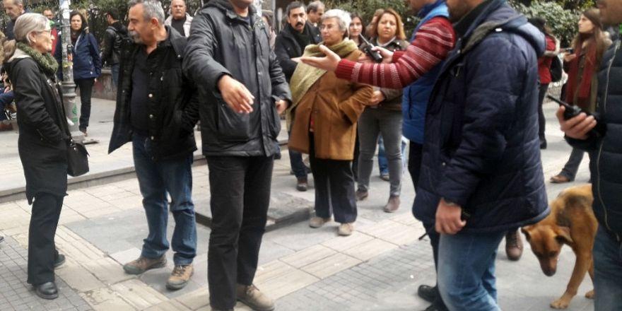 Bursa'da Polisten kaçarken aracıyla inşaata girdi