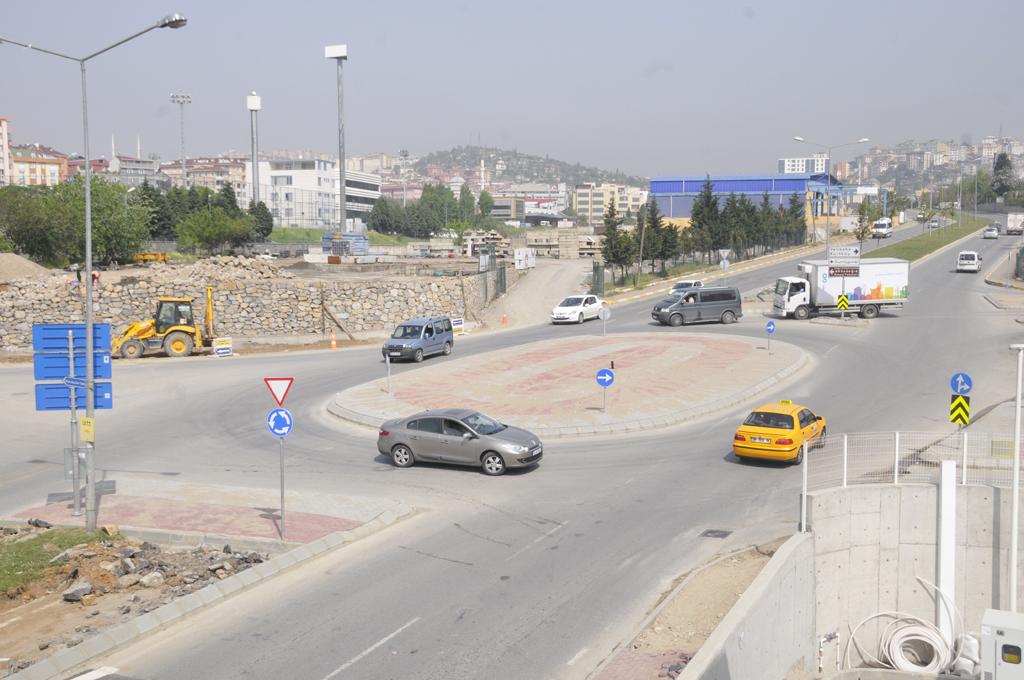 Trafik Sorunu Kavşakla çözüldü