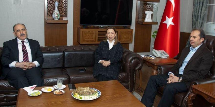 AK Parti Genel Başkan Yardımcısı Çalık'tan Vali Yaşyapan'a ziyaret