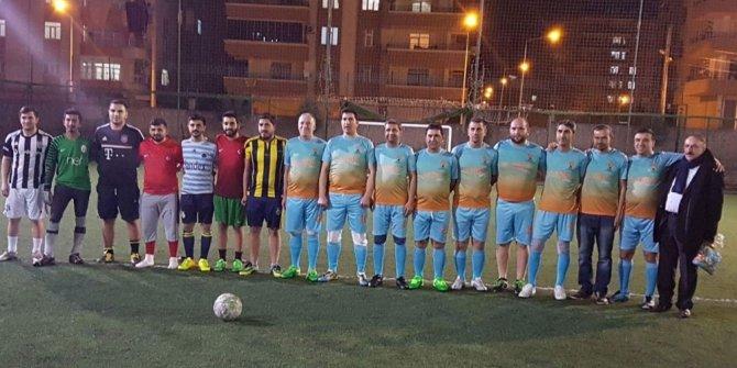 AK Partililer arasında dostluk maçı