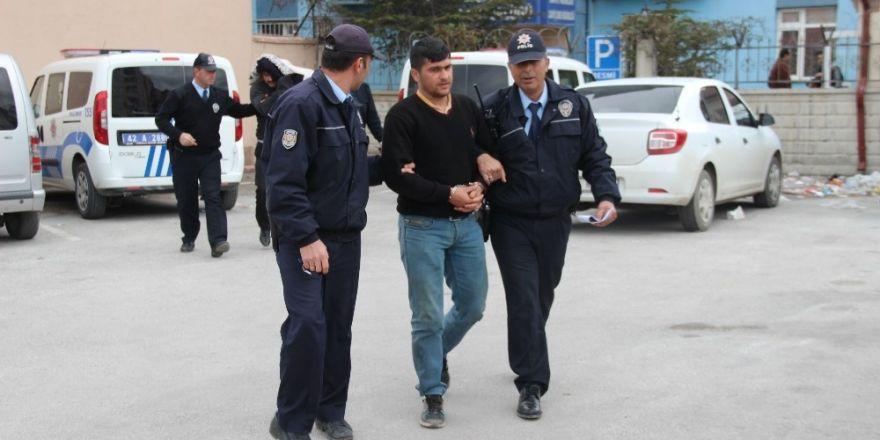 Cezaevi firarisi kardeşler çalıntı kamyonetle yakalandı