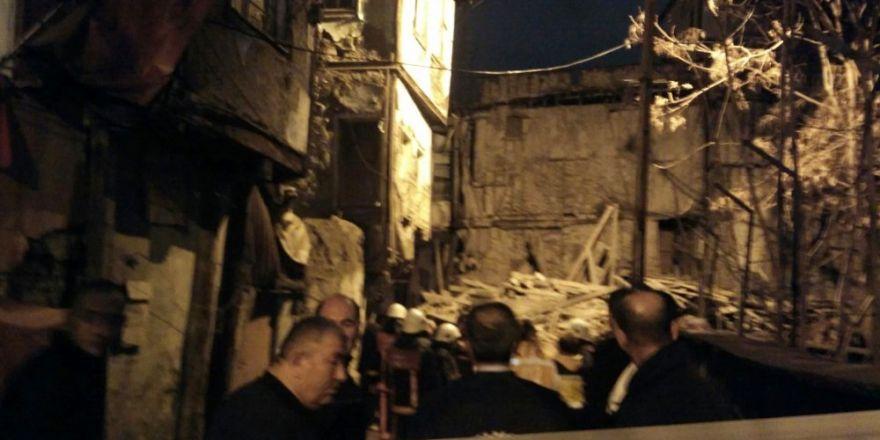 Başkent'te 2 katlı metruk bina çöktü