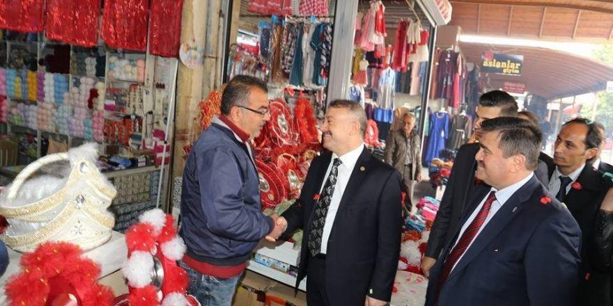 AK Parti milletvekillerinin referandum çalışmaları devam ediyor