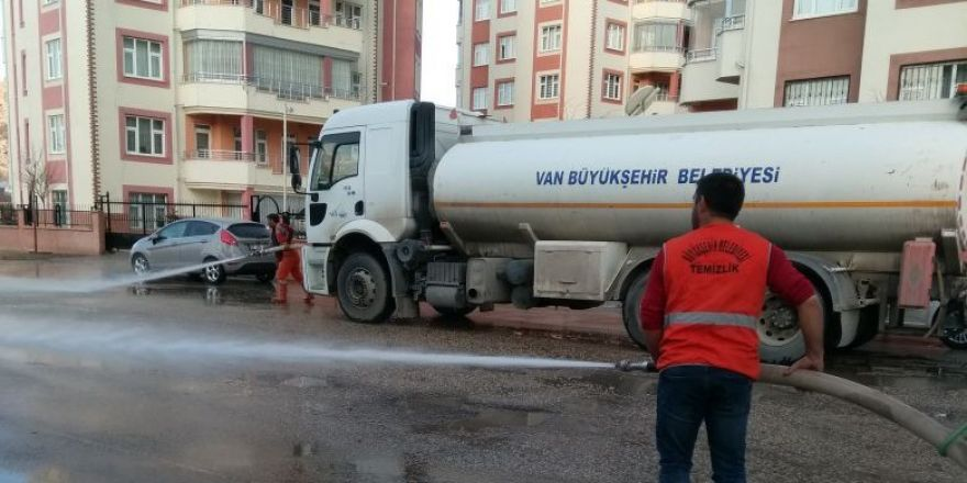 Van Büyükşehir Belediyesinden bahar temizliği