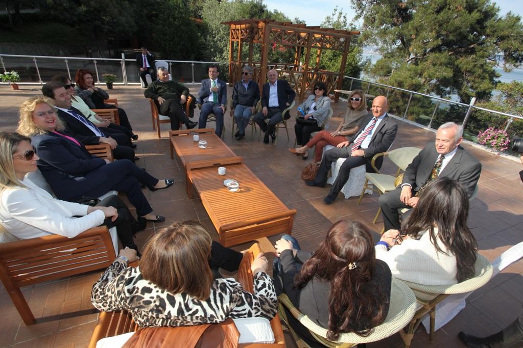 Öz, CHP'li İlçe Belediye Başkanları Büyükada'da Ağırlandı