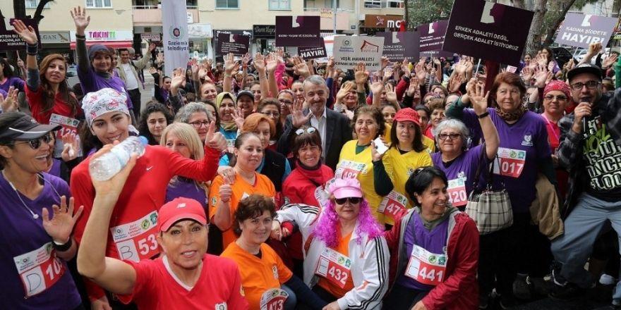 Kadınlar Gaziemir'de 'hakları' için koştu