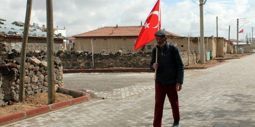 Ömer Halisdemir için 600 kilometre yol yürüdü