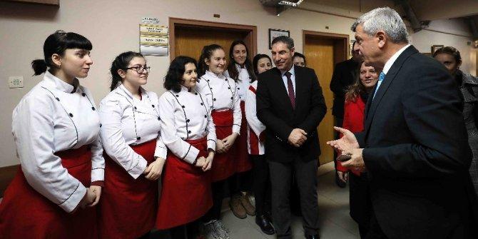 """Başkan Karaosmanoğlu, """"İkili eğitim geride kalacak"""""""