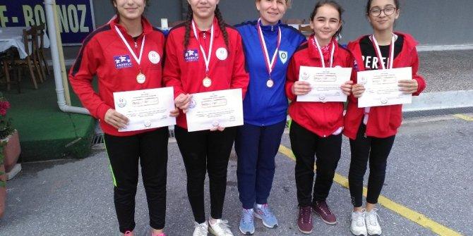 Badminton'da Manisa Büyükşehir Belediyespor'un yıldızı parladı