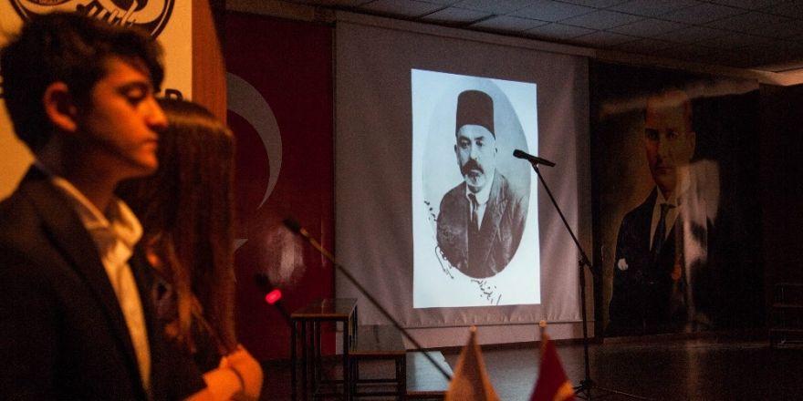 Lise öğrencileri, 'Ya İstiklal, Ya Ölüm' oratoryosu sahneledi