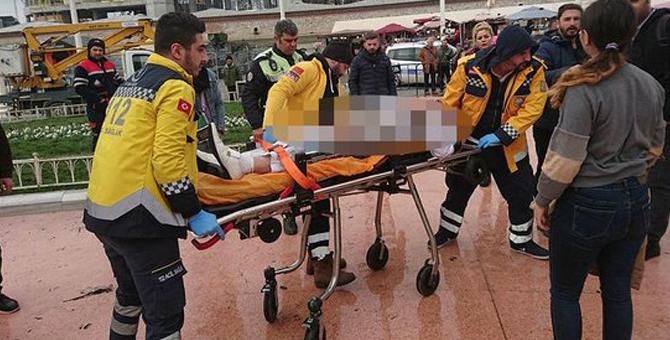 İranlı Biri Taksim Meydanı'nda Kendini Yaktı