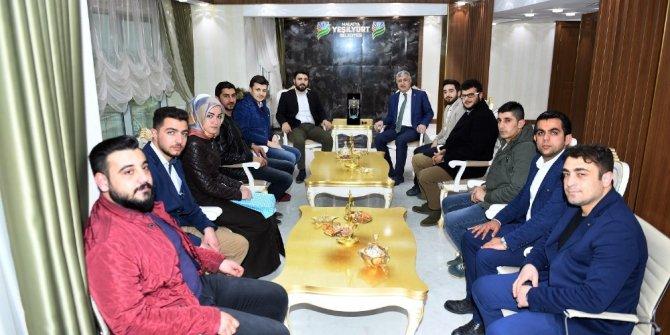 Başkan Polat gençleri ağırladı
