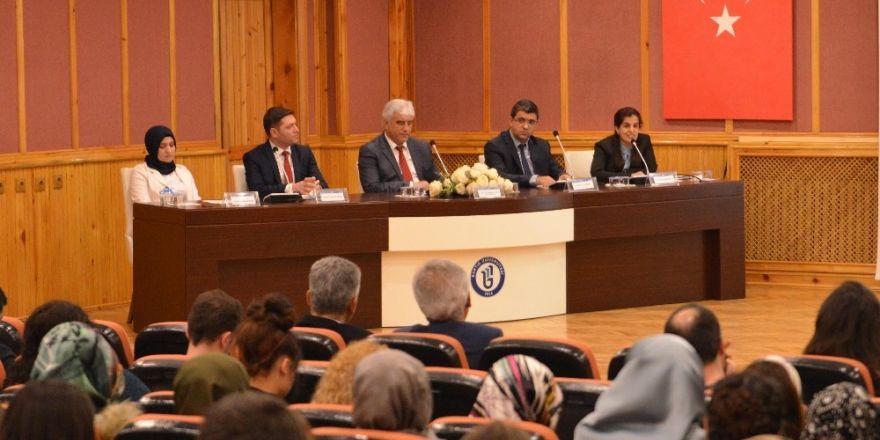 Mehmet Akif panelinde, 'Hollanda' vurgusu