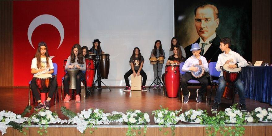 Gaziantep Kolej Vakfında mini konser