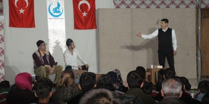 Isparta'da bağımlılıkla mücadele tiyatrosu