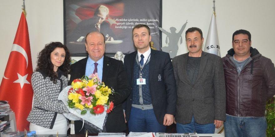Yılmazköy İlkokulu'ndan Başkan Özakcan'a teşekkür ziyareti