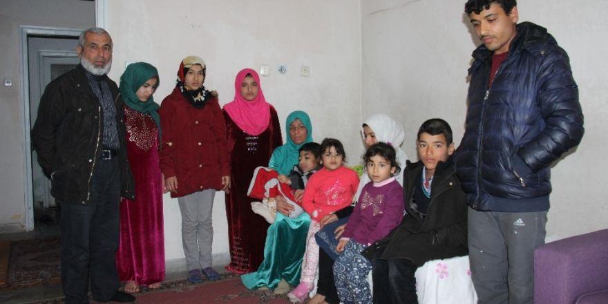 Savaştan kaçan Türkmen aile yardım eli uzatılmasını bekliyor
