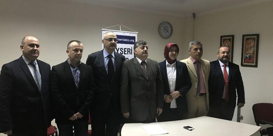 """Kayseri Tabip Odası Başkanı Hüseyin Per, """"Hekimler Mecburi Hizmet Yükümlülüğü Altında Eziliyor"""""""