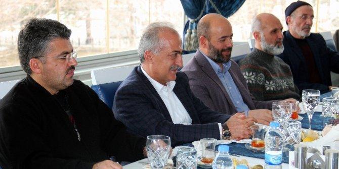 İHH Genel Başkanı Yıldırım Rektör Çomaklı'yı ziyaret etti