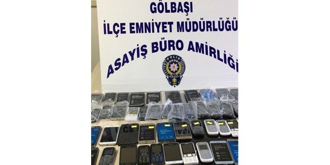 Gölbaşı ilçesinde kaçak cep telefonları ele geçirildi