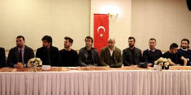 Sanat ve spor camiasının önemli isimlerinden Mehmetçiğe moral ziyareti