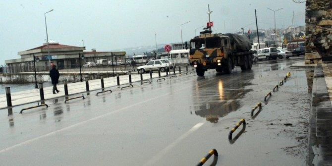 Sinop'a gelen askeri araçlar dikkat çekti