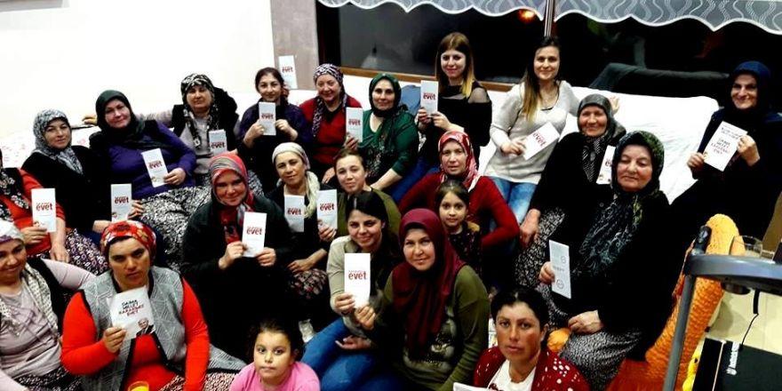 Sarıgöl'de AK Parti'li kadınlar ev ev geziyor