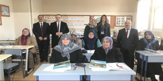 Turhal'da okur-yazar seferberliği kapsamında 38 kurs açıldı