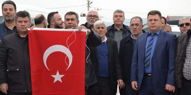 Servisçilerden Afrin'e destek konvoyu
