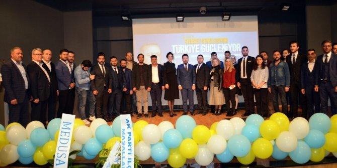 Didim AK Parti'de gençler Duran'a emanet