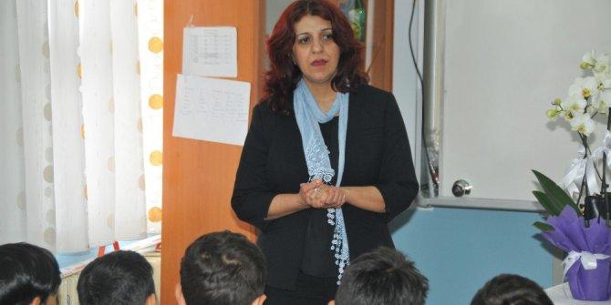 Yazar Küçükkaraca 9 okulda öğrencilerle buluşuyor