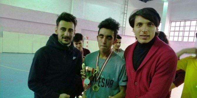 E.Yeni Malatyasporlu öğrencilerin heyecanına ortak oldular