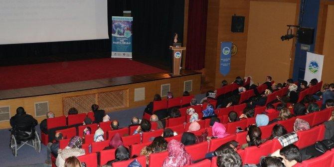 Sağlık konferanslarında 'MS Hasta Okulu' konuşuldu