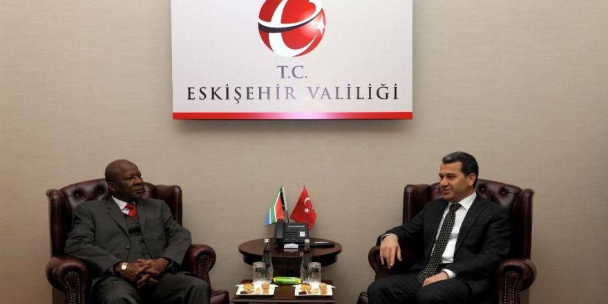 Güney Afrika Cumhuriyeti Ankara Büyükelçisi Malefane, Vali Çelik'i ziyaret etti