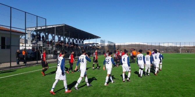 Arguvan Belediyespor hazırlık maçında Fırat Üniversitesi ile karşılaştı
