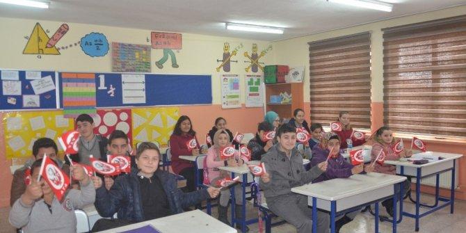 Öğrenciler Afrin kahramanlarına şiirle moral verdi
