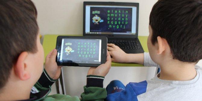 Amasya Üniversitesinden özel öğrenciler için harfleri öğreten program