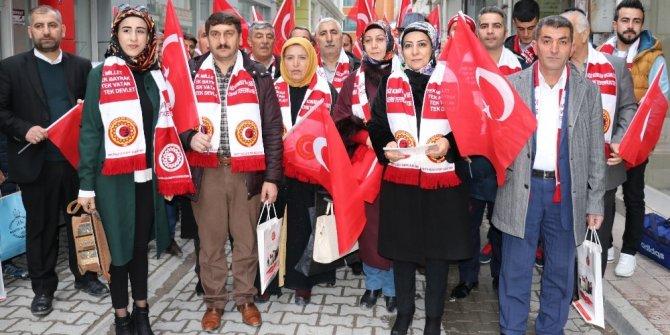 Vanlı gaziler ve şehit aileleri Mehmetçik'e destek için Hatay'a hareket etti