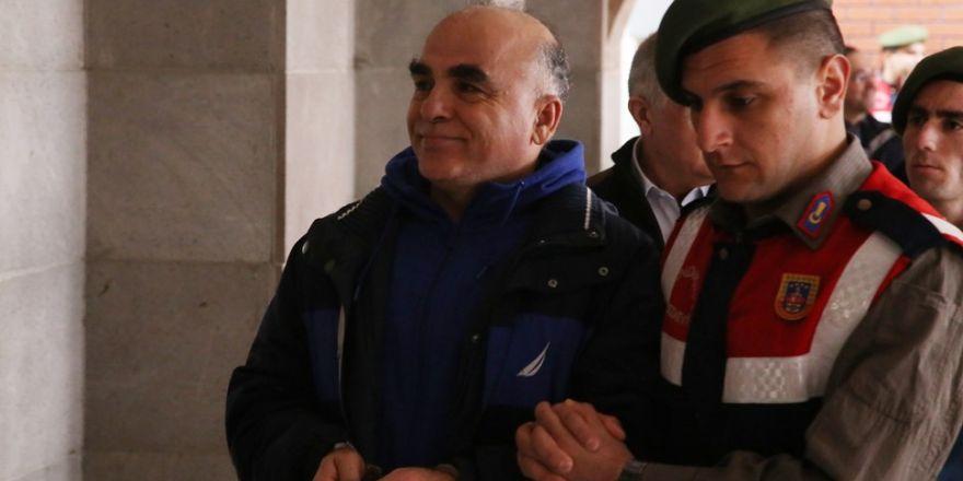 """Fetullah Gülen'e 'hoca' diyen sanığa kızan mahkeme başkanı: """"Hoca, deme şuna"""""""