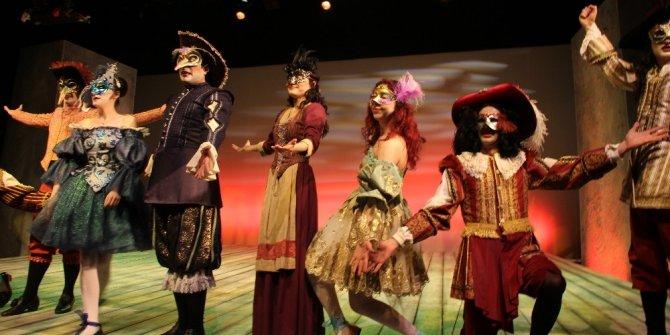 """Erzurum Devlet Tiyatrosu """"Mösyö de Pourceaugnac"""" adlı oyunla sezonu açacak"""